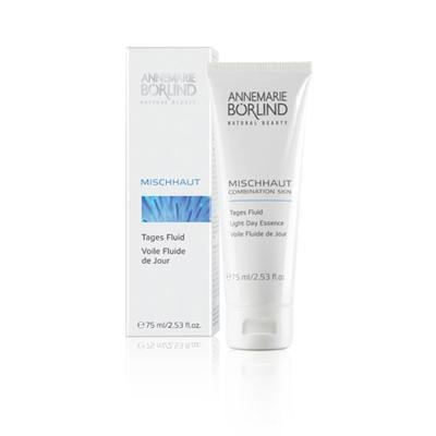 A. Börlind Day Cream Combination er en unik, prisbelønnet, mikroemulsjon som inneholder syklodekstrin. Det absorberer det overflødige fettet og matter huden.