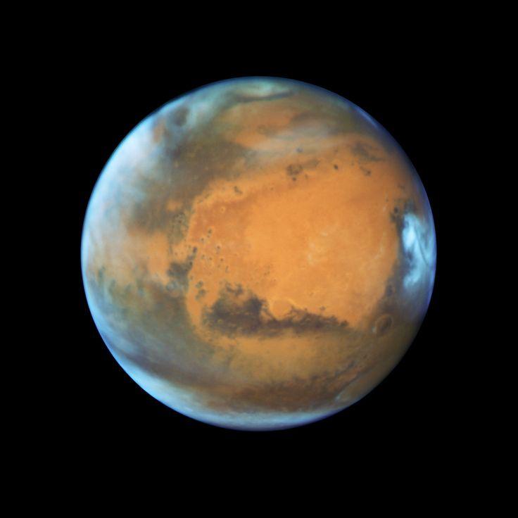 Hubble-foto van Mars, gemaakt kort voor de oppositie van 2016, toen de afstand een kleine 80 miljoen kilometer bedroeg