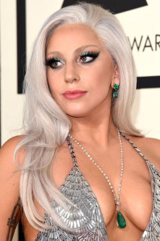 The best beauty looks from the Grammys red carpet: Lady Gaga