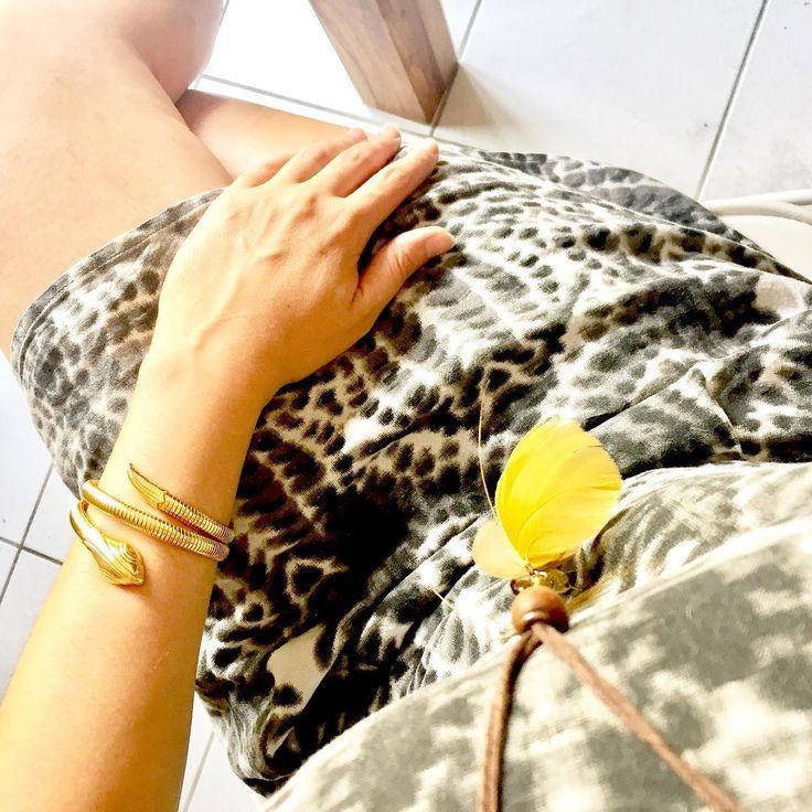 "N A T A C H A C A R R I E R sur Instagram: Détails ... - Petit zoom sur ma tenue ""esprit sauvage"" !!! - - - #lookbook #look #mode #fashion #women #bijoux #jewelry #myworld #green…"