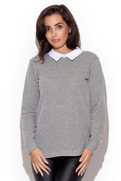 Elegant sweater with a white collar