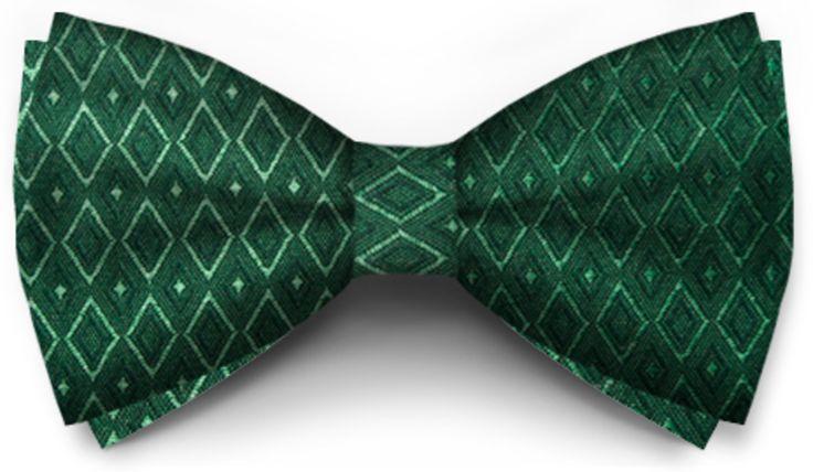 Papiox.ro recomandă papionul Verde Smarald Cu Romburi din categoria Evenimente cu materiale: Verde Smarald Cu Romburi