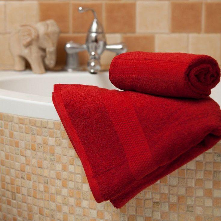 Das tiefe #Dunkelrot mach sich in jedem Badezimmer hervorragend!