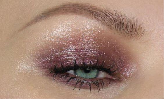 pixiwoo's glossy plum eyes