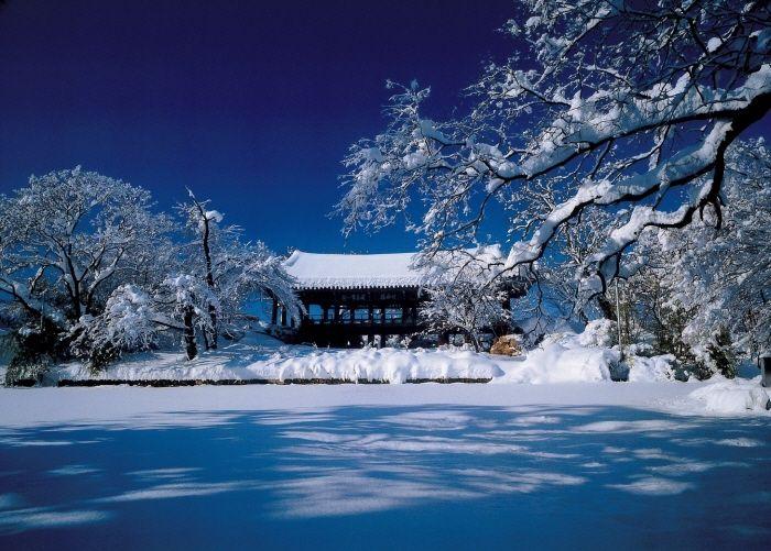 소담스런 겨울 풍경이 마음을 은은하게 사로잡는 관동팔경의 명소, 강원도 삼척 죽서루