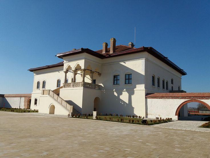 All sizes | Palatul Potlogi 002, (Romania, Potlogi), martie 2017, palatul a fost construit intre 1698-1701 de Constantin Brancoveanu pentru fiul sau cel mai mare, (Samsung Galaxy J 5, 13 Mpx) | Flickr - Photo Sharing!