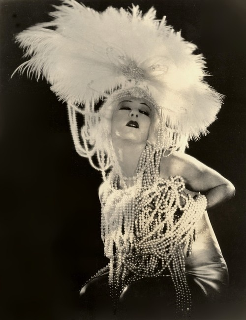 Alla Nazimova - 1923 - Salome - Directed by Charles Bryant - Film adaptation of the Oscar Wilde play Salomé