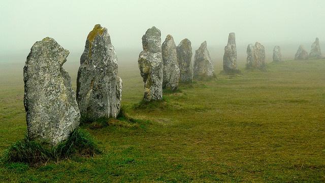 Menhirs, Alignement de Pierres Dressées de Lagatjar - Camaret sur Mer, Finistère, by y.caradec, Brittany