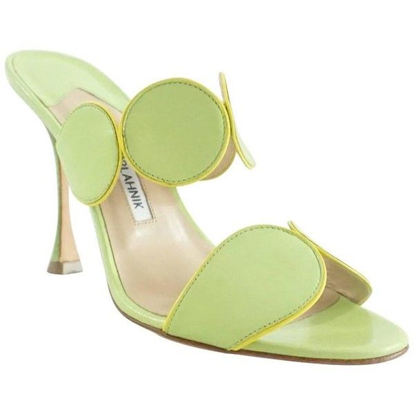 Preowned Manolo Blahnik Green Leather Double Strap Sandals - 37.5 (375 CAD) ❤ liked on Polyvore featuring shoes, sandals, green, heels, strappy leather sandals, leather sandals, manolo blahnik shoes, heeled sandals and green heeled sandals
