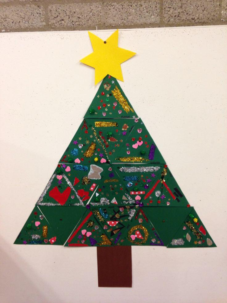 Samenwerken adhv driehoeken versieren. Vormen samen een kerstboom