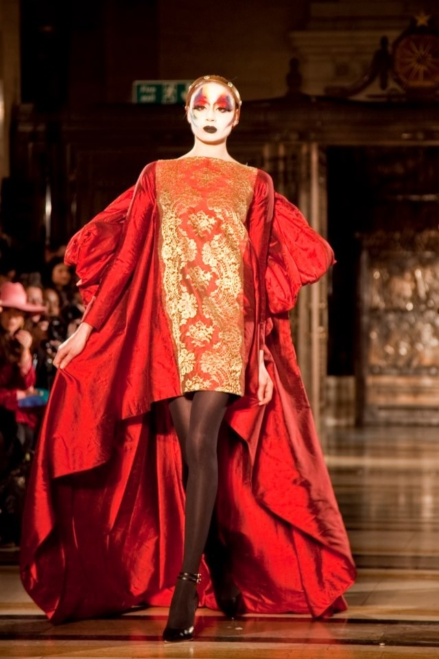 Ziad Ghanem's show at Freemasons hall London Fashion Week ! This is one of the most amazing  dresses of the entire collection! Xx