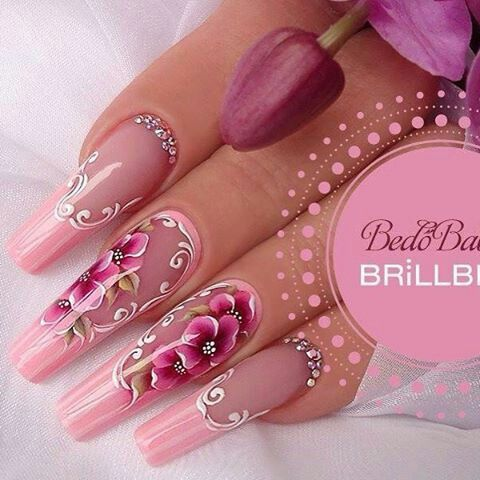 PRETTY N PINK Pipe nails with awesome flower nail art | russian almond | #nailart #nails #naildesign Más