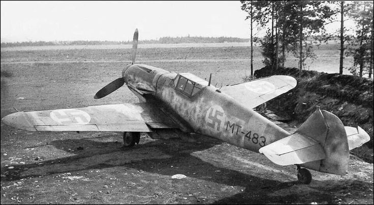 """Messerschmitt Bf 109 G-8 W.Nr. 710 012 """"MT 483"""" 1./HLeLv 24, Capt. Aate Lassila, Utti, September 1944."""