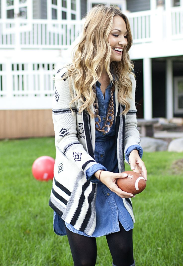 Printed sweater over denim and leggings for fall