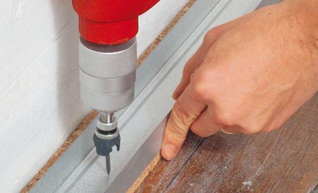 Installer Une Ossature Metallique Pour Isolation Thermique En 2020 Ossature Metallique Plaque De Platre Et Metallique
