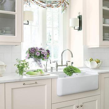 Cream Kitchen Cabinets, Cottage, kitchen, Benjamin Moore Linen White, Suzanne Kasler