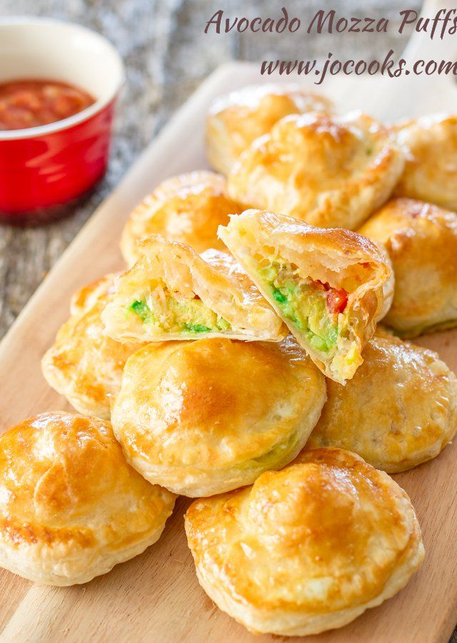 Little puff pastry morsels filled with mashed avocado, fresh mozzarella cheese and salsa...a great appetizer!!