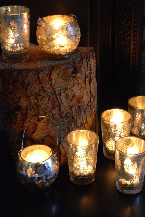 What a super chic look this is with glowing mercury glass votives. Make your wedding sparkle and shine with these tea light holders.
