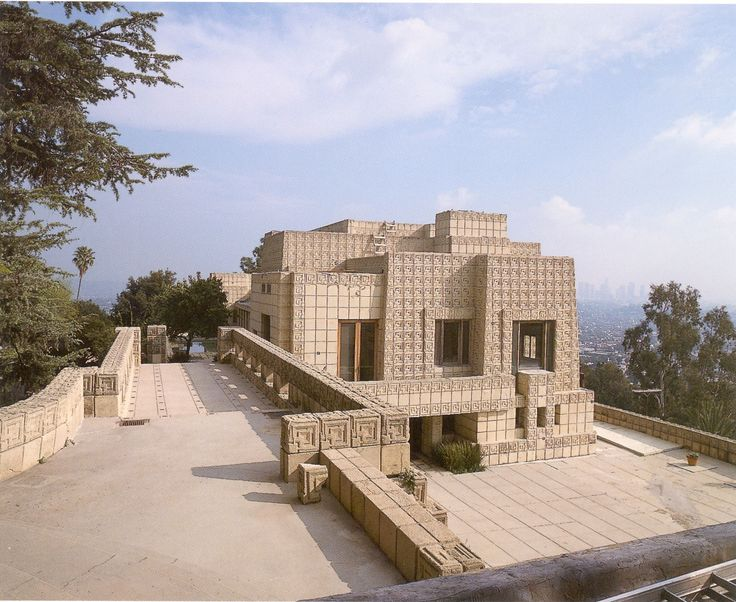 Ennis House | Ennis house. 1924  https://www.pinterest.com/0bvuc9ca1gm03at/