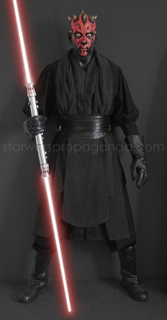 DARTH MAUL LIFESIZE costume display... Oh how I want this for my house...