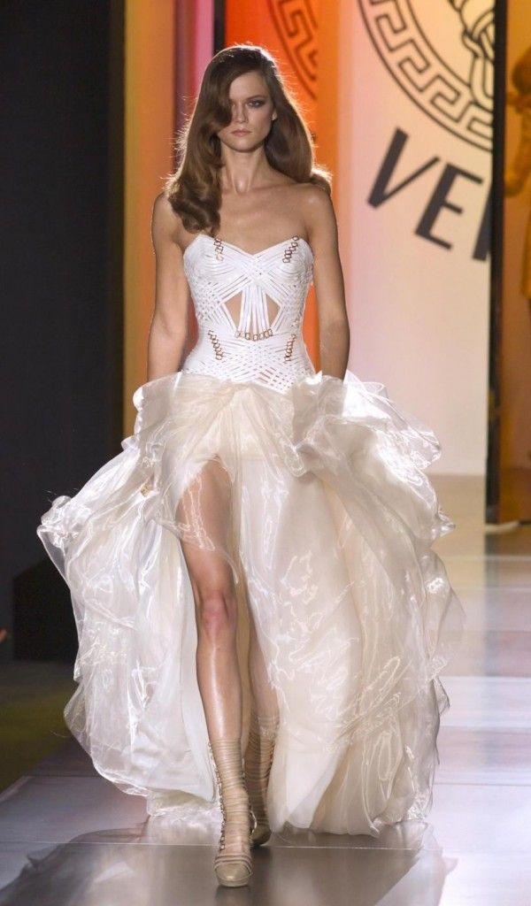 Abito bianco Atelier Versace; one day, when I am a super model, I will wear…