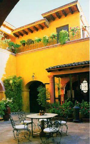 sárga színű ház