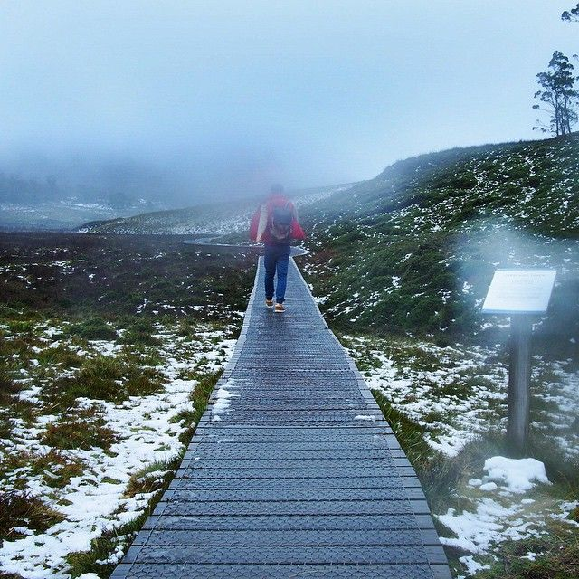 Rain and Snow at Cradle Mountain via http://buff.ly/1AQHiuU?utm_content=buffer25b37&utm_medium=social&utm_source=pinterest.com&utm_campaign=buffer #Tasmania