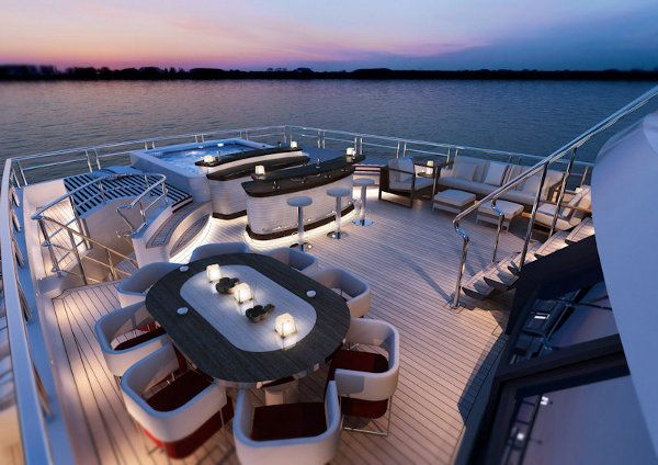Hello Yacht! red-square-yacht_by-dunya-yachts_5