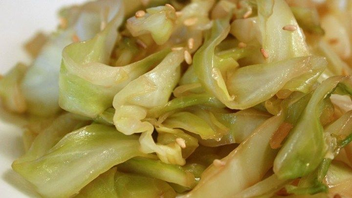 Soy sauce brings out the natural sweetness of the cabbage in this simple stir-fried cabbage dish.