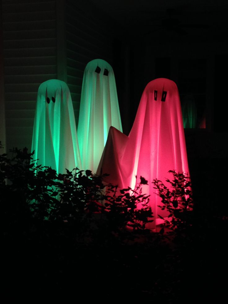we have lighted ghosts for halloween to rent and have them in 4 different colors decoration - Halloween Rental Decorations