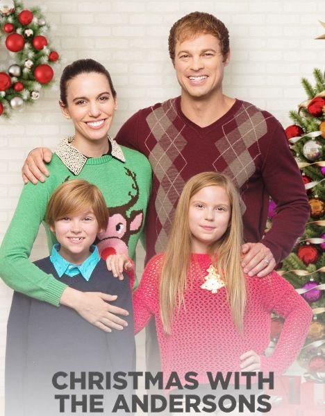 Рождество с Андерсонами / Christmas with the Andersons (2016/HDTVRip)  Семья Андерсонов живет в огромном особняке и устраивает ежегодный рождественский бал для малоимущих. Однако они забыли о том, что не в деньгах счастье. Судьба дает им шанс убедиться в этом, когда у них начинаются неприятности. Отца семейства увольняют, и в семейном магазине дела идут неважно. К счастью, к ним приезжает тетушка, которая не теряет присутствия духа. С ее помощью им удается организовать прекрасный праздник…