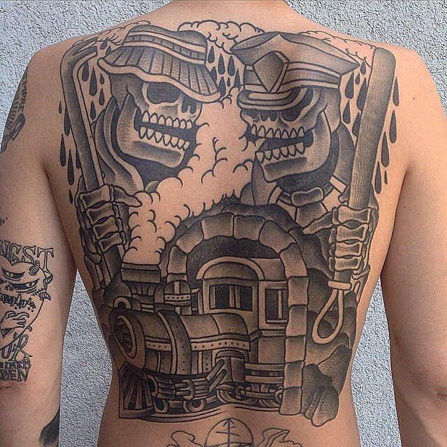 Backpiece by upcoming guest @luxiano_street_classic 15-16/10 book a time today!  #stockholm #södermalm #tattoo #tatuering #tatueringar