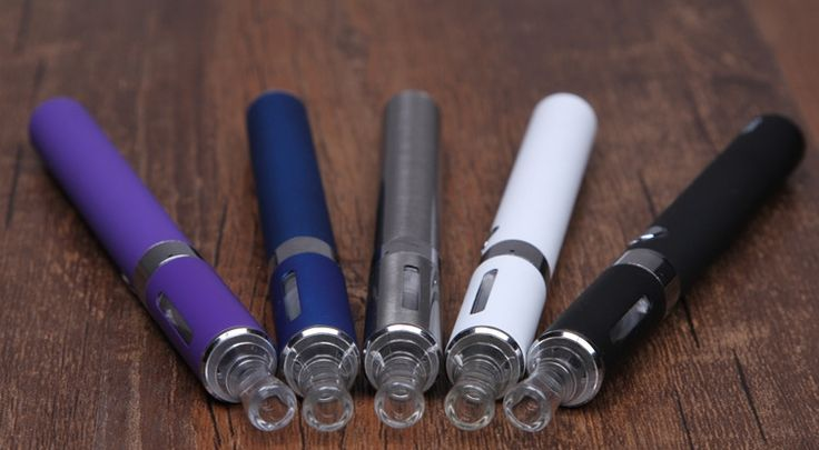 Представляем вашему вниманию лучшую, пожалуй, электронную сигарету начального уровня EVOD MT3. К достоинствам можно отнести достаточно ёмкий аккумулятор на 1100мАч, металлический корпус аккумулятора и клиромайзера, защищающий от повреждений внутреннюю часть клиромайзера. Резьбовые соединения плотные, протечка жидкости при правильном использовании исключается. Немаловажен и и испаритель системы Kanger MT3 - в случае выхода его из строя, он легко меняется на новый