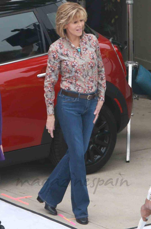 """Espléndida a sus 79 años, Jane Fonda continúa al pie del cañón mientras rueda los próximos capítulos de la serie de Neflix, """"Grace and Frankie"""""""