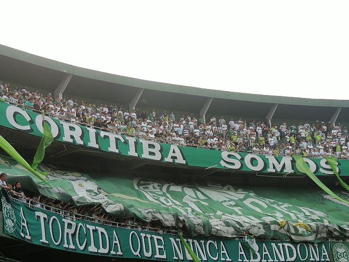 Coritiba 0x0 Internacional - Campeonato Brasileiro 2013 - A torcida que nunca abandona