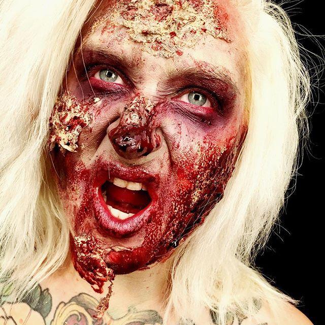 Zombie 💀💀💀 #creepy #makeuplook #look #makeup #zombiemakeup #zombie #halloween #halloweenmakeup #lotd