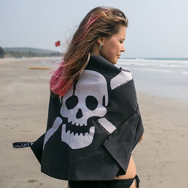 Skull Sport Towel with Zipper Pocket, to keep your valuables , and loops to hang jt as a pirate flag while drying or in camping  #sport #action #boho #camping #pirateflag #pirate