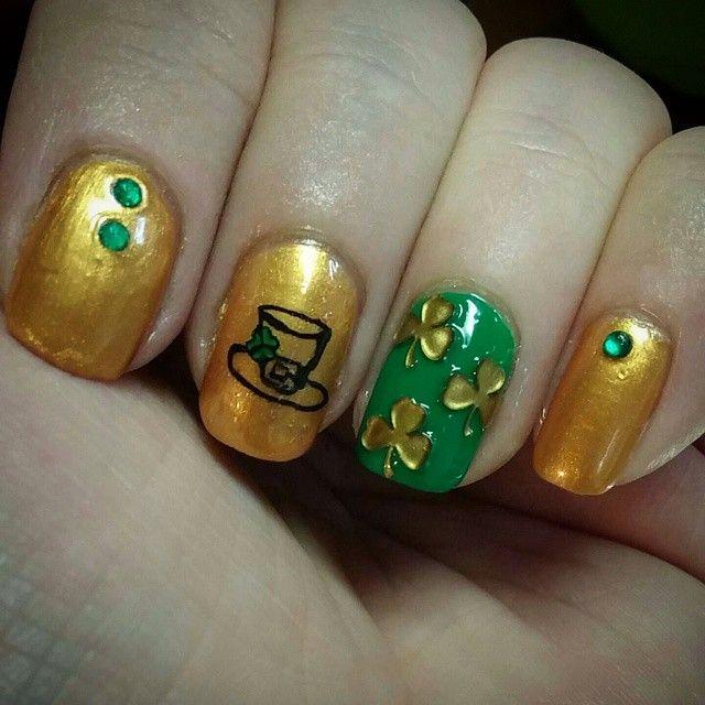 165 best St. Patrick\'s Day Nail Art images on Pinterest