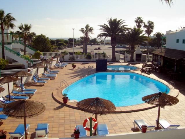 Playa Park Apartment No 5 - 1 Bed Apartment for rent in Puerto del Carmen Lanzarote sleeps up to 3 from £165 / €195 a week
