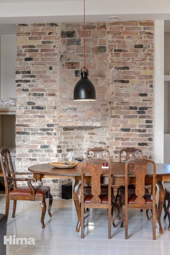 Old bricks - perfect wall! Kadermonkatu 1 #himajahuvila
