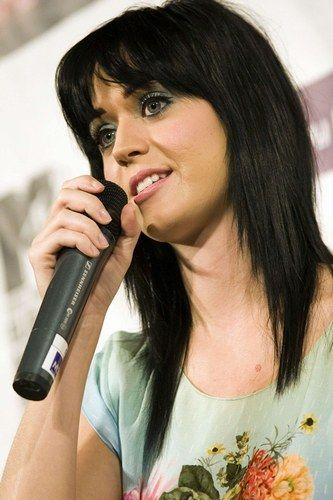Katy Perry hair I'd like it on me but blonde haa