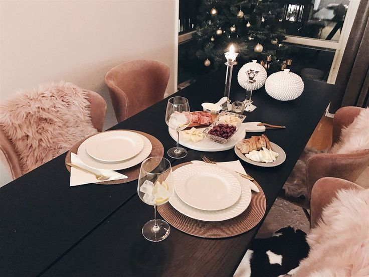 COSY DINNER AT HOME