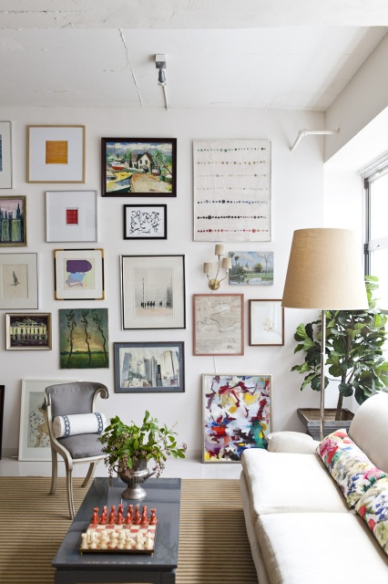 Consider this kind of configuration when hanging many things on one wall. To consider opposite wall with tv