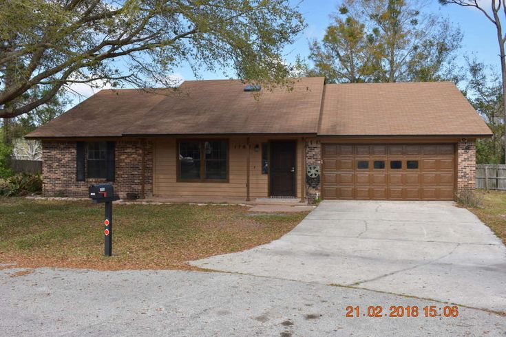 Move in ready, remodeled ... bathrooms, granite countertops, new flooring and  paint inside and out, screened patio on a large cul de sac lot. Transferable termite bond, two year old AC system. Central kitchen and split bedrooms layout. Four year old septic system, no sewer fees. This house has it all!