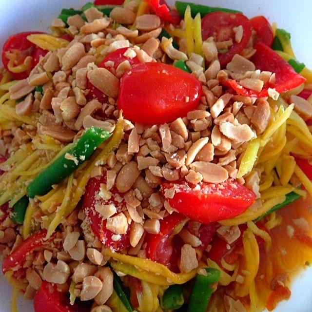 Thai Green Mango Salad Recipe - coasterkitchen - Dayre
