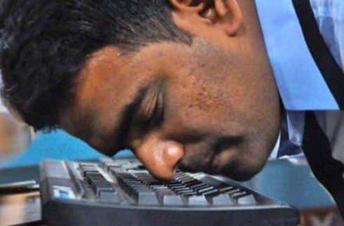 Индиец установил мировой рекорд по скорости печатания носом - http://supreme2.ru/6777-indiec-ustanovil-mirovoj-rekord-po-skorosti-pechataniya-nosom/