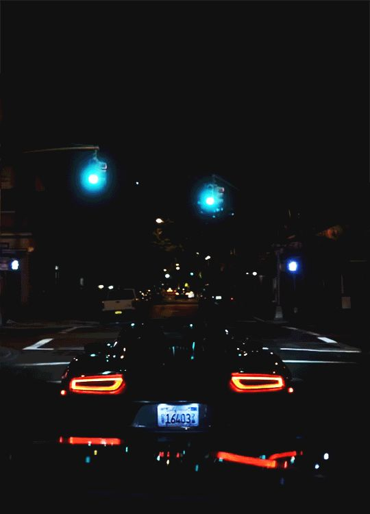 Porsche 918 Spyder through Manhattan Island.