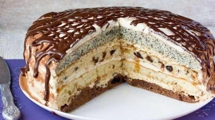 Торт «Роскошный сметанник». Обалденный торт с многообразным и богатым вкусом! Мягкие, пышные коржи, каждый со своей добавкой, и два превосходных крема — сметанный и масляно-кофейный — просто идеально подходят друг для друга!