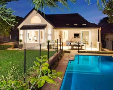 Lovely pool fencing without taking away from this beautifully landscaped #sydneylove #mosman home (63 Belmont Road, Mosman)