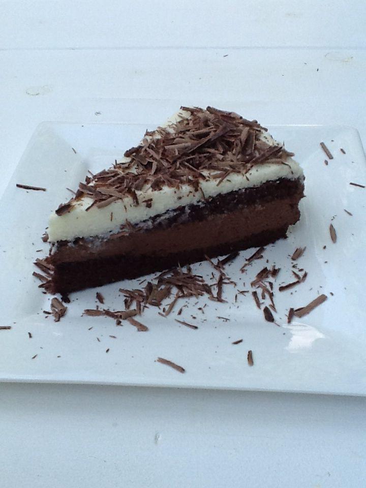 Yogurt and chocolate torte http://www.instyle.gr/recipe/tourta-giaourti-ke-mascarpone/